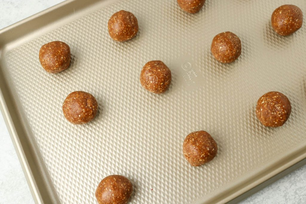 Cookies rolled into balls.