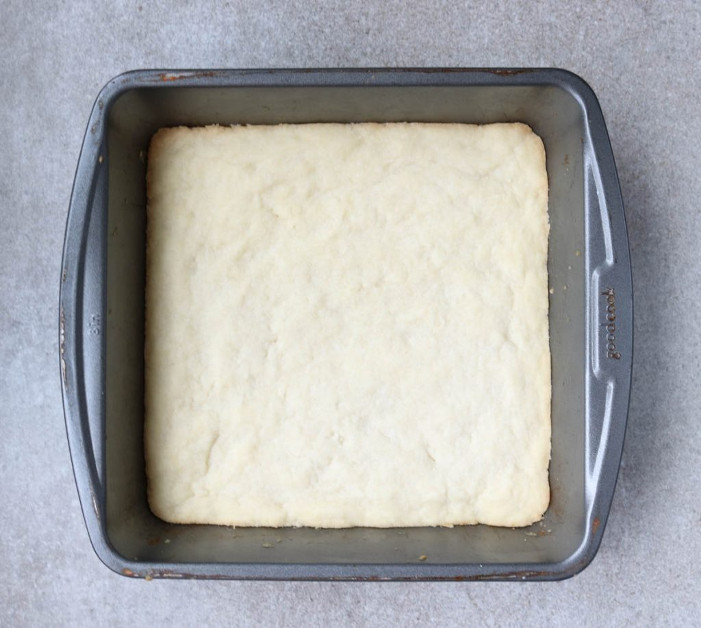 Pan with shortbread crust cooked.