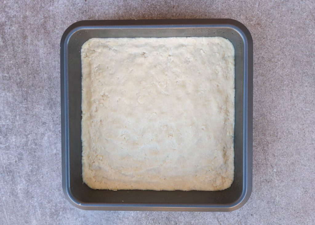 Crust uncooked pressed into pan.